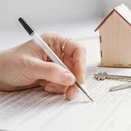 Jak napisać wniosek o wykreślenie hipoteki i kto musi to zrobić?