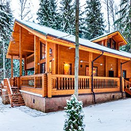 Domy drewniane całoroczne – opinie