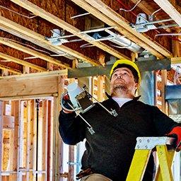 Instalacja elektryczna w domu szkieletowym – zasady, schemat i koszt