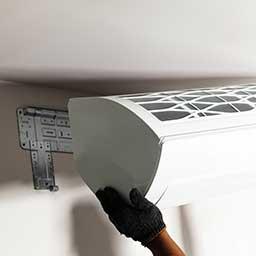 Klimatyzator bez jednostki zewnętrznej – jak działa klimatyzacja monoblok?