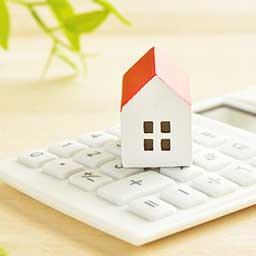 Koszt budowy domu – ile kosztuje budowa domu parterowego i piętrowego?