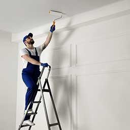Malowanie sufitu krok po kroku – kierunek malowania, cena, porady