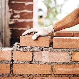 Murowanie ścian działowych – wybór materiałów, cena i poradnik krok po kroku