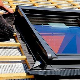 Obróbka okna dachowego – jak obrobić okno dachowe?