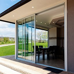 Okna balkonowe, tarasowe, przesuwne – rodzaje i ceny