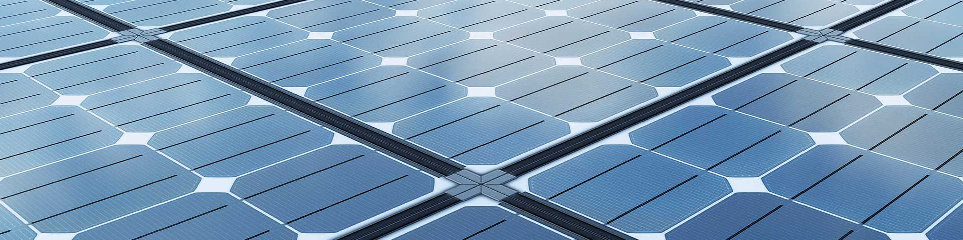 panele słoneczne w dużym zbliżeniu