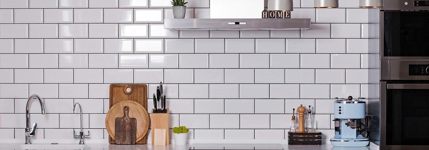 listwy do płytek są jednym ze sposobów na ładne wykończenie płytek w kuchni czy łazience