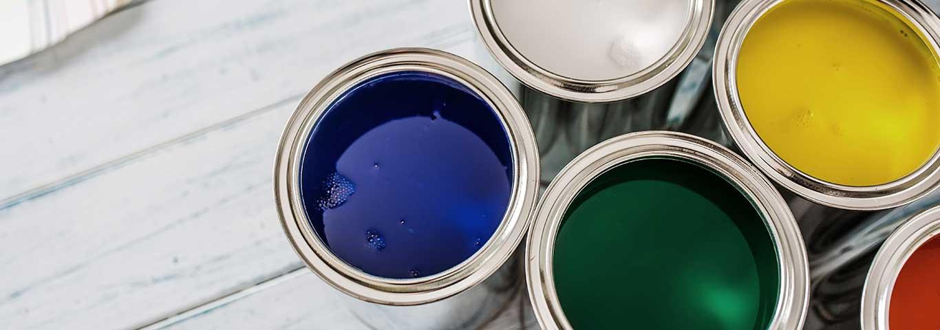 różne rodzaje farb do łazienki