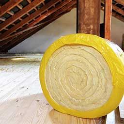 Ocieplenie stropu wełną, styropianem czy granulatem? Jak ocieplić strop?