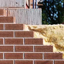 Ściana trójwarstwowa – przekrój i budowa ścian trójwarstwowych