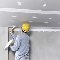 Wyciszenie sufitu – skuteczna izolacja akustyczna. Czym wygłuszyć sufit?