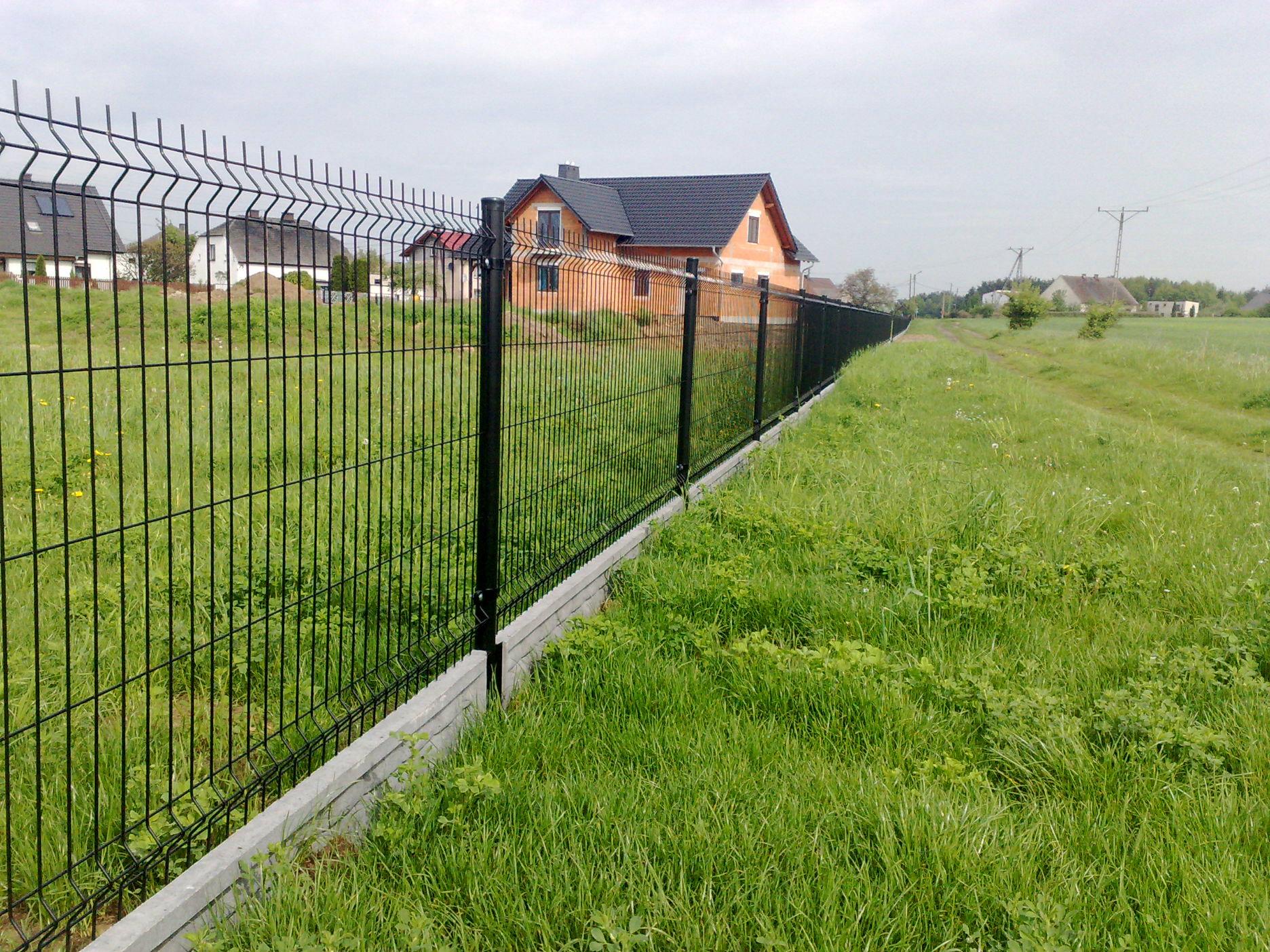 Zaawansowane ogrodzenia montaz ogrodzen ploty parkan siatki ogrodzeniowe panele WM54