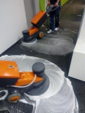 Pranie czyszczenie wykładzin, posadzek, polimeryzacja, konserwacja