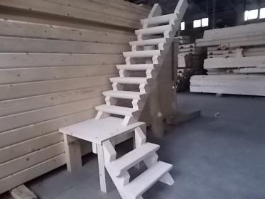 SCHODY drewniane zabiegowe Z PÓŁBALA 1800zł brutto