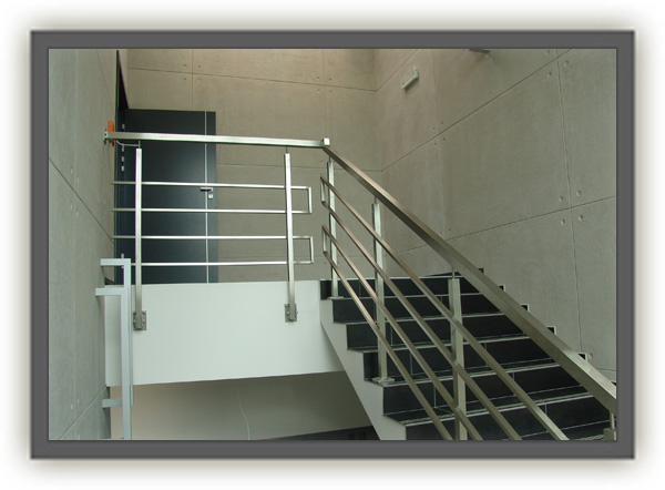Unikalne Balustrady schodowe ze stali nierdzewnej - Oferta nr 76938 NZ99