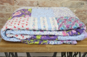patchwork-quilt lawendowy