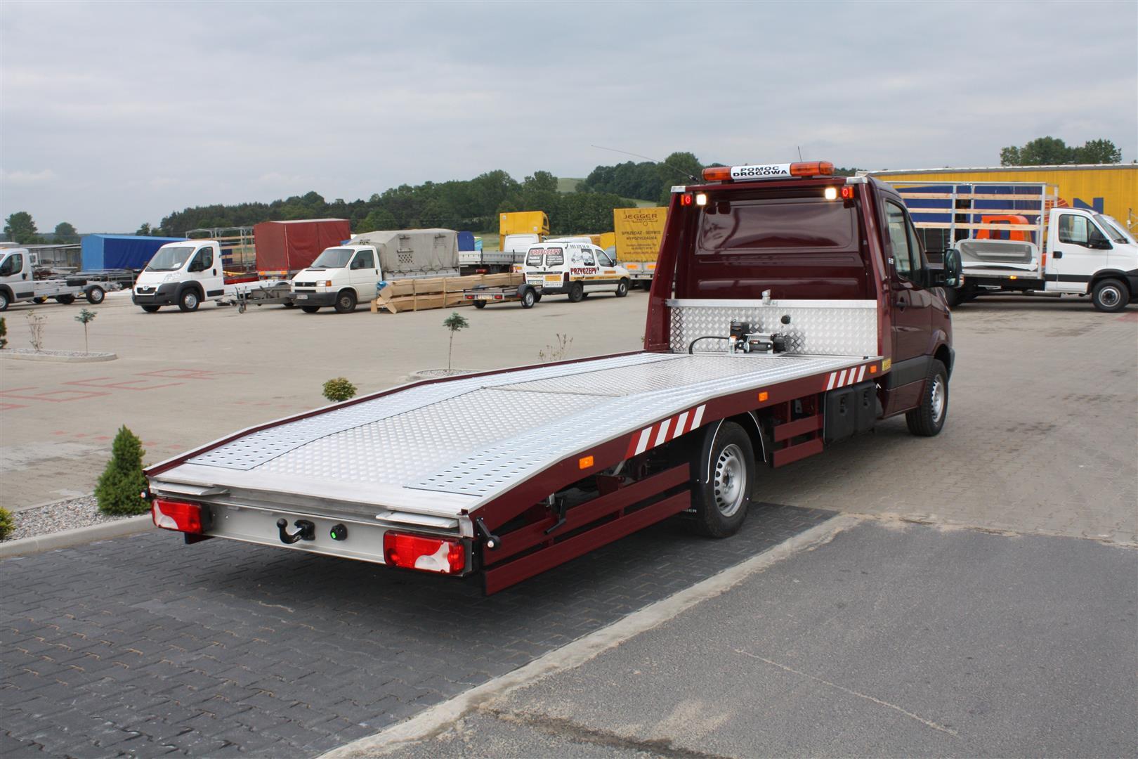 Zabudowy Samochodowe Najazd Autolaweta Auto Laweta Na Autach