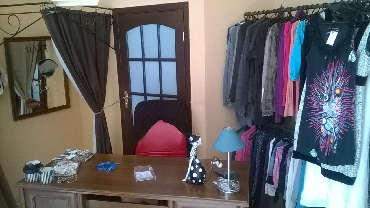 Zaktualizowano Wyposażenie sklepu odzieżowego wraz z towarem, Toruń - Oferta nr UE62