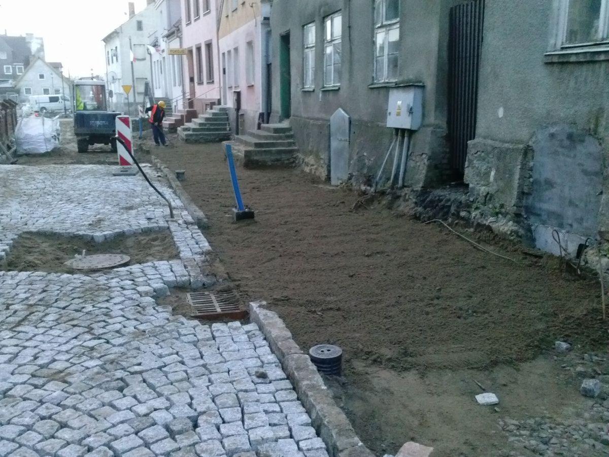 W Mega układanie kostki brukowej i kamienia,chodniki,drogi,parkingi ZR21