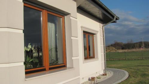 Stolarka drewniana - okna i drzwi