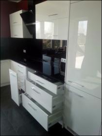 Meble kuchenne,łazienkowe,biurowe,szafy z drzwiami suwanymi