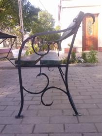 Ręcznie kute ławki oraz stoły