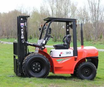 Nowe wózki terenowe 2-3.5t diesel