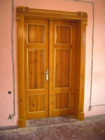 Renowacja drzwi, okien, schodów i innych powierzchni drewnianych, oferta