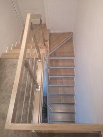 Schody drewniane .Samonośne i na beton. Różne rodzaje balustrad, oferta