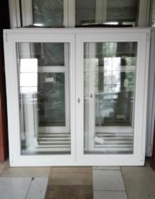 Okno drewniane symetryczne 1470x1450 mm