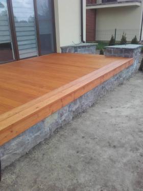Drewno konstrukcyjne i deski tarasowe modrzew syberyjski