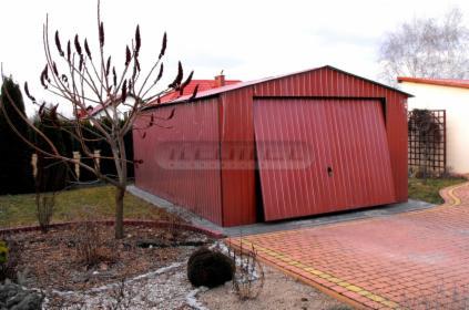 Garaż blaszany 4m x 6m z bramą uchylną akrylowy