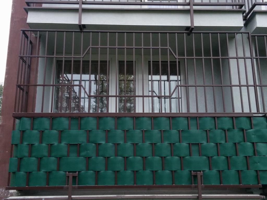 Modernistyczne Kraty zabezpieczające drzwi okna balkony przejścia, Chorzów EM88
