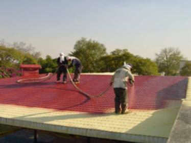 Ocieplanie dachów pianką poliuretanową