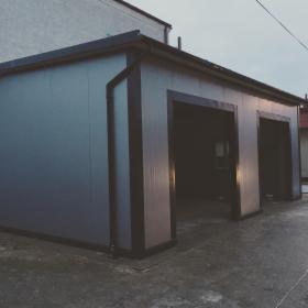 Wykonanie garaży z płyty warstwowej