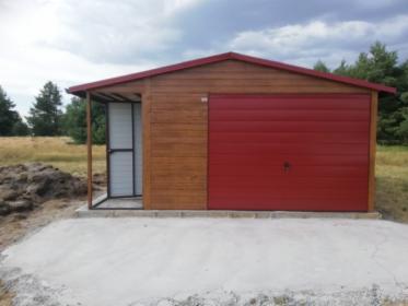 Garaże blaszane na wymiar, drewnopodobne i akrylowe.
