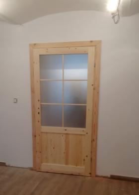 Montaż stolarki okiennej i drzwiowej