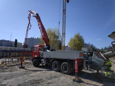 Pompowanie betonu - godzina pracy pompy 32m, Kraków, oferta