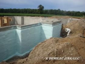Docieplenie Ocieplenie hydroizolacja fundamentów PIANKĄ POLIURETANOWĄ