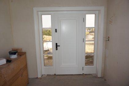 Zewnętrzne drzwi drewniane, oferta