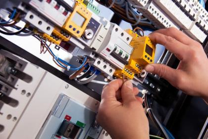 Poszukiwane firmy wykonujące instalacje elektryczne