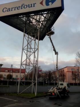 Usługi specjalistyczne: mycie okien, pranie wykładzin i mebli, prace na wysokości, Łódź, oferta