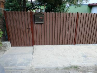 Montaż ogrodzenia ze sztachet blaszanych, oferta