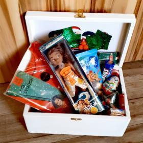 Drewniane kuferki mikołajkowe dla dzieci i dorosłych, oferta