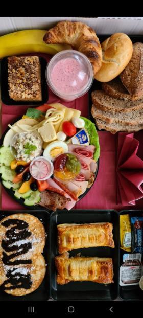 Śniadania lunche obiady kolacje dla firm pracowników, oferta