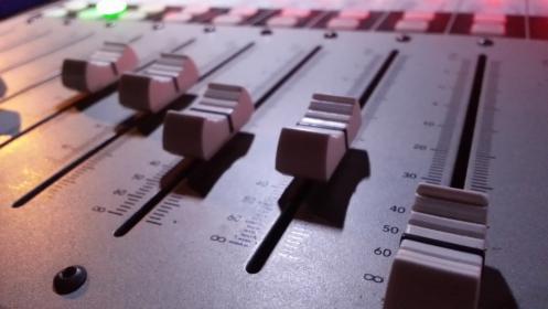 Studio produkcji dźwiękowych. Reklama radiowa, nagrania lektorskie itp., oferta