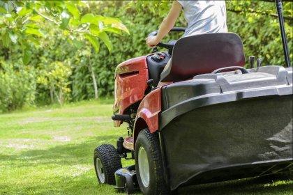 Koszenie trawników, koszenie wielkopowierzchniowe Skarbimierz