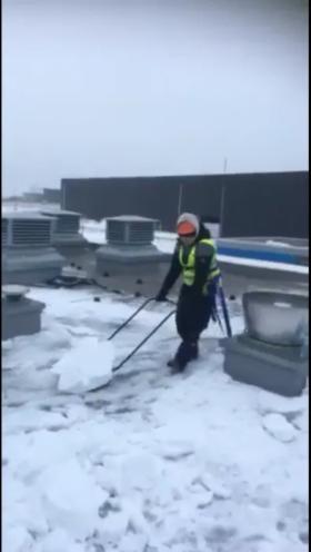 odśnieżanie dachów 24/7 usuwanie śniegu