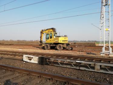 Wynajem długoterminowy koparki dwudrożnej kolejowej Liebherr ZW A900C