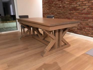 Dębowy stół rozkładany
